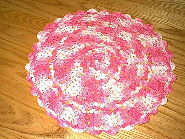 Crochet Patterns India : Indian crocheted beverage doilies patterns indian crocheted ...